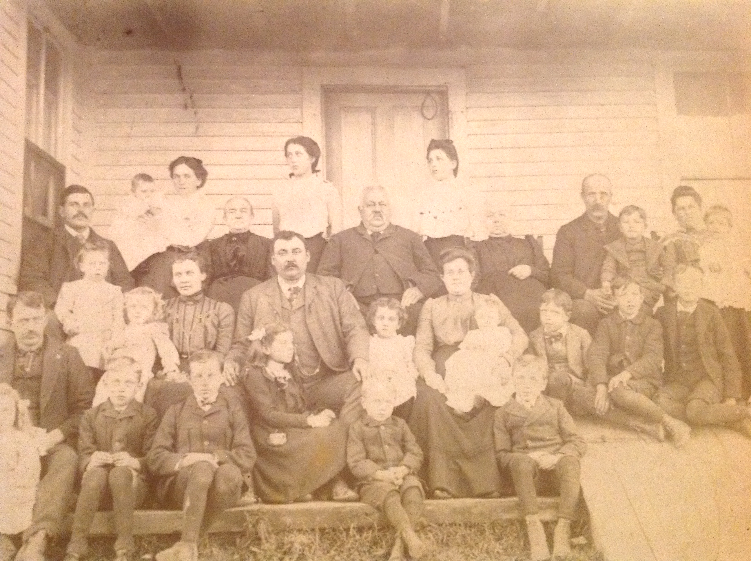Throwback Thursday – Now that's a family portrait!