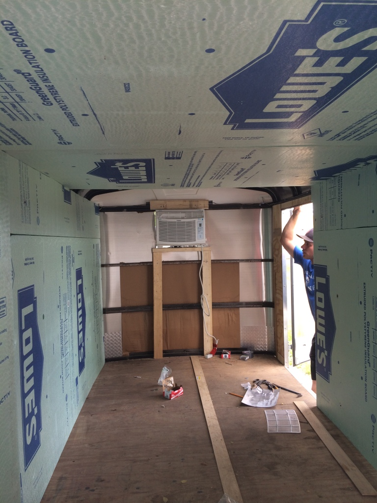 Hanging the insulation